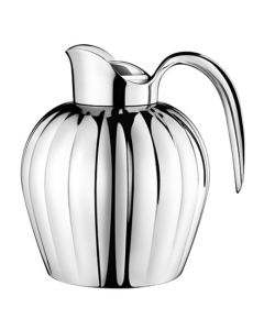 The Georg Jensen stainless steel 0,8L jug.