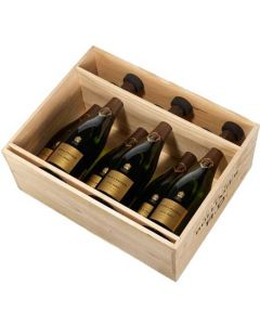 This is the Bollinger R.D. 2007 Champagne 6x75 cl inside a wooden box.