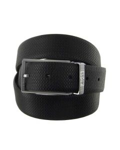 This Hugo Boss reversible belt comes with a logo buckle.