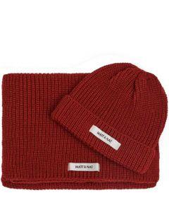 This is the Matt & Nat Red WYNN Hat & Scarf Set.