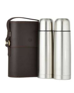 This Purdey leather flask set comes with the branding on the front.